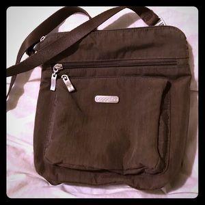 Baggalini crossbody purse